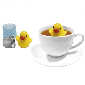 travel-gifts-for-tea-lovers-rubber-ducky-infuser