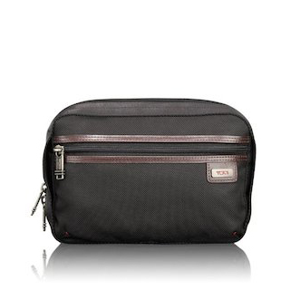 13ff3b7b369b Finding the Best Travel Toiletry Bag for Men
