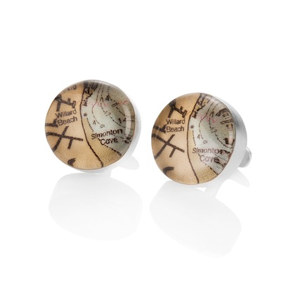 romantic-gifts-for-travelers-custom-map-cufflinks