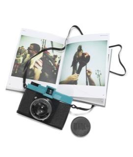 best-travel-gifts-for-photographers-diana-camera