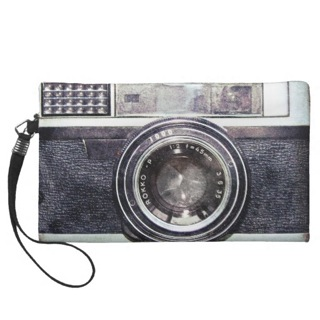 best-travel-gifts-for-photographers-camera-wristlet-clutch