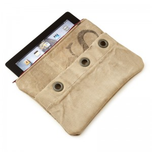 green-gifts-for-travelers-mail-sack-ipad-case